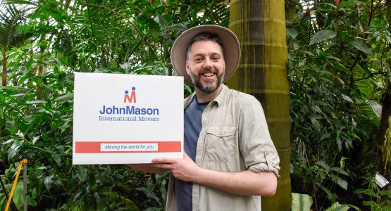 Campaign starring Iain Lee reaches over 130,000 with a witty take on things you can take 'down under'