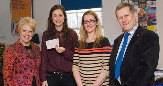 CG awards prize to top marketing student