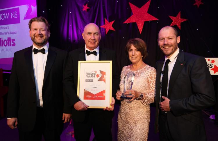 Elliotts wins Business of the Year Award